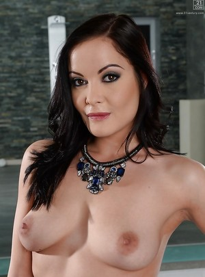 XXX Hungarian Pictures