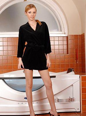 XXX Bath Pictures