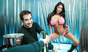XXX Striptease Pictures